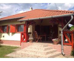 Traumhaus an dem Ufer des Markaz Sees in Ungarn zu verkaufen