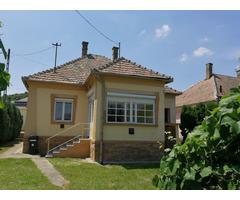 Familienhasu in Zalabér, Ungarn