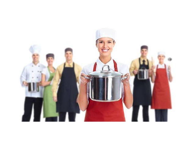 Küchen hilfe, Teller waschen.