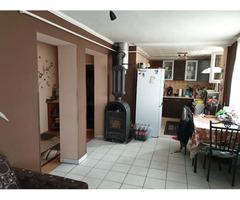 Zu verkaufen 690m2 mit separatem Eingang 185 m2 Zwei-Generationen-Einfamilienhaus. I