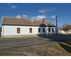 Haus zum Verkauf in der Nähe von Bük Bath