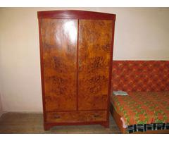 Antiker Schrank mit Subloof
